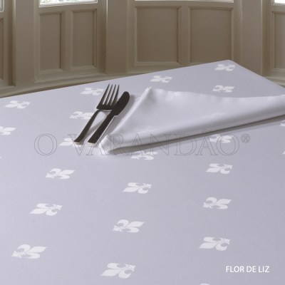 Toalha de mesa adamascado branco 110x110cm